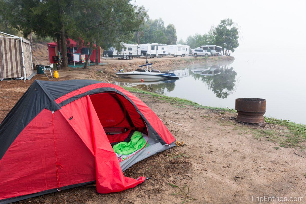 Lake Lyell — Кемпинг на берегу озера